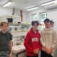 ZS Stanin - Uczniowie klas ósmych w oczyszczalni ścieków i w kinie w Siedlcach.