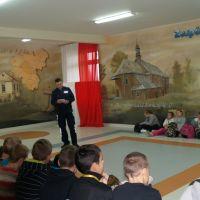 Zespół Szkół w Staninie - Spotkanie z policjantem