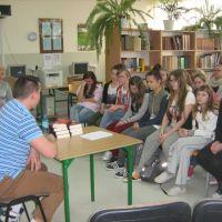 Zespół Szkół w Staninie - Spotkanie autorskie z Jakubem Strzakłowcem