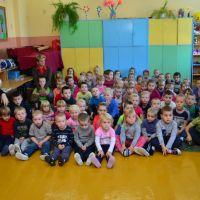 Zespół Szkół w Staninie - Spotkanie z policjantem w klasie 0