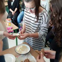 ZS Stanin - Powrót do korzeni - wyrabianie masła i sera