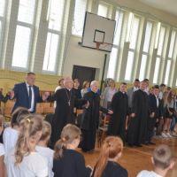 Zespół Szkół w Staninie - Wizytacja Kanoniczna Biskupa Kazimierza Gurdy