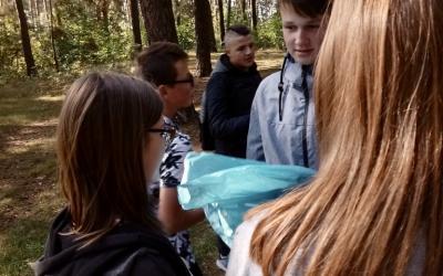 Zespół Szkół w Staninie - Sprzątanie świata