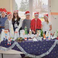Zespół Szkół w Staninie - Kiermasz bożonarodzeniowy