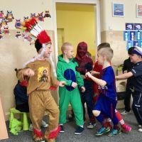 Zespół Szkół w Staninie - Bal przebierańców w przedszkolu