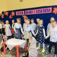 Zespół Szkół w Staninie - Dzień Babci i Dziadka w klasie I B