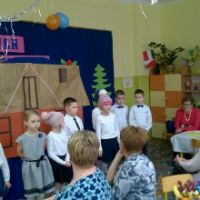 Zespół Szkół w Staninie - Dzień Babci i Dziadka klasy I A