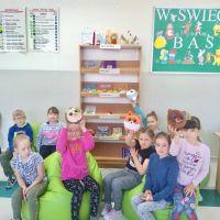 Zespół Szkół w Staninie - Słodziaki wkręcają w czytanie
