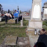ZS Stanin - Porządkowanie grobów poległych żołnierzy, księży