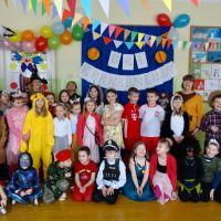 Zespół Szkół w Staninie - Bal karnawałowy uczniów klas drugich