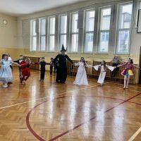 Zespół Szkół w Staninie - Bal karnawałowy klas I