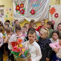 Zespół Szkół w Staninie - 8 marca klasy 1-3