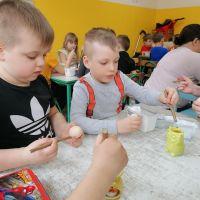 Zespół Szkół w Staninie - Warsztaty wielkanocne - zdobienie jajek