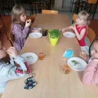 ZS Stanin - Dodatki do śniadania prosto z własnego ogródka