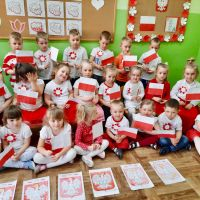Zespół Szkół w Staninie - Święto Narodowe u Biedronek
